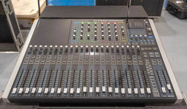 Ex Hire Soundcraft Si Performer 2