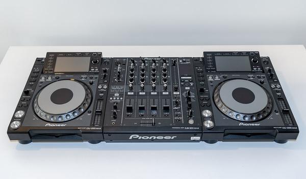Ex Hire Pioneer DJ Package including 1 x DJM900NXS and 2 x CDJ2000NXS
